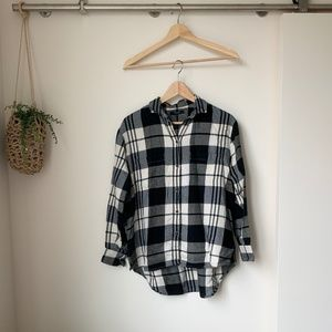 Madewell | Plaid Flannel Shirttail Button-Down